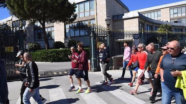 Obećao pa ispunio: Pješačio je 12 km nakon što je spasio klub