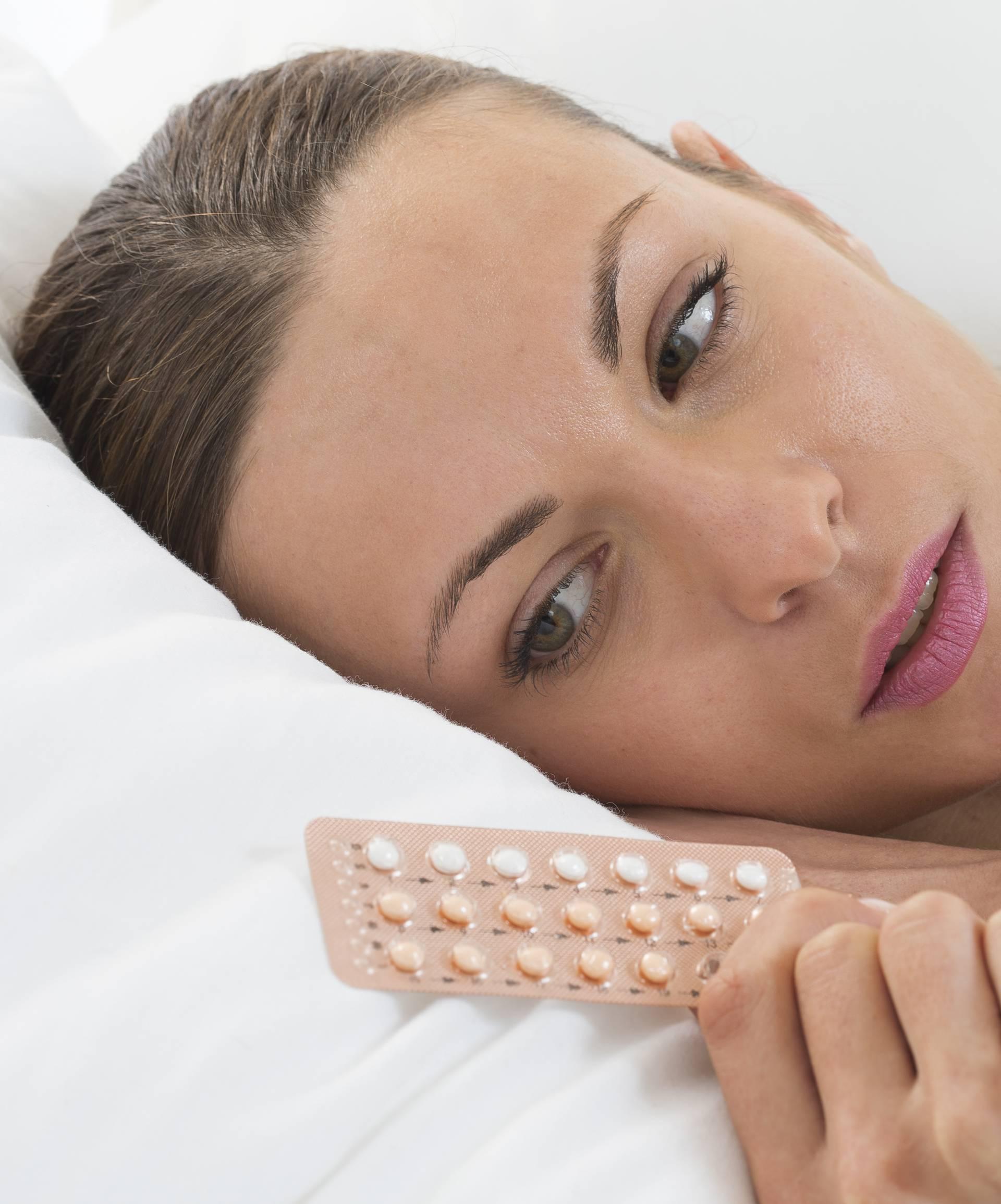 Pilula čuva od trudnoće, a zbog nje žene imaju slabiju empatiju