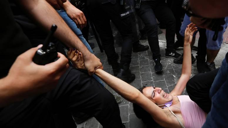 Suzavcima rastjerali Paradu ponosa u Istanbulu: Policija je uhitila 20-ak sudionika povorke