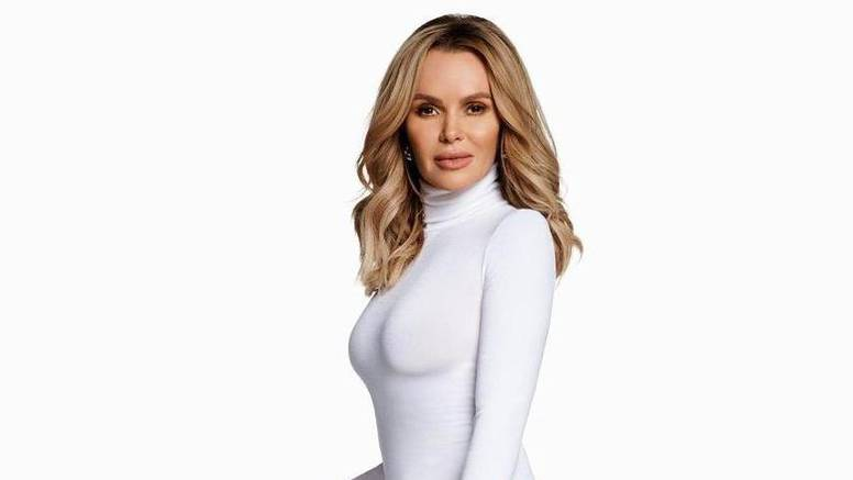 Britanska glumica blista i u pedesetoj: Zanosnom fotkom u uskom bikiniju očarala fanove