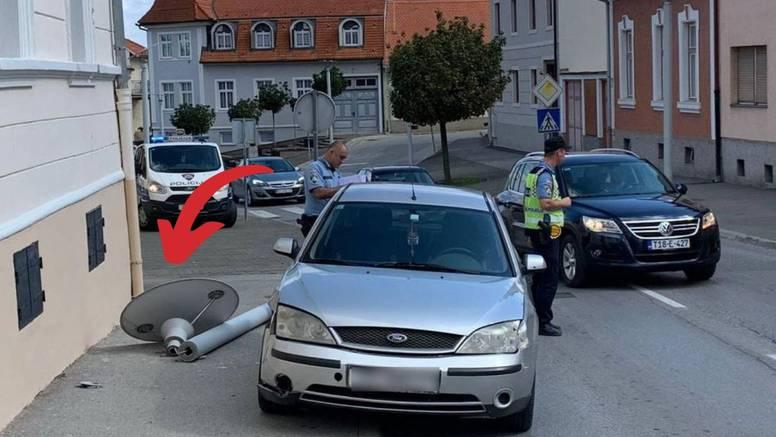 Autom se u Požegi zabio u stup koji je pao i ozlijedio pješakinju