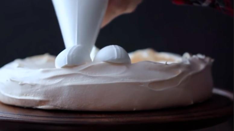 Radije izbjegavajte: Zašto je opasno jesti smjesu za kolače?