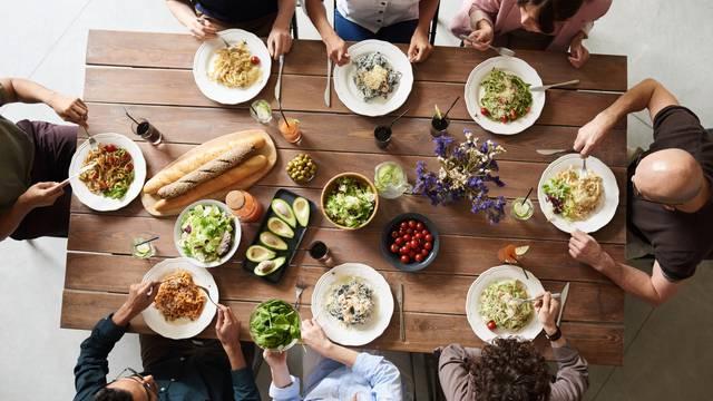 Obiteljski objed