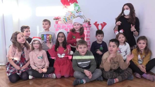 Prvašići iz Šibenika za djecu bez roditelja skupili punu učionicu darova: 'I dalje ćemo pomagati'
