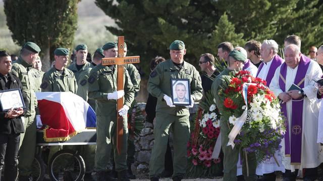 Tuga u Čistoj Velikoj: Pokopani okrutno ubijeni Marin i Silvana