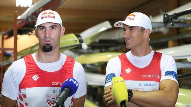 Zagreb: Martin i Valent Sinković uoči odlaska na Europsko prvenstvo održali su konferenciju za medije.