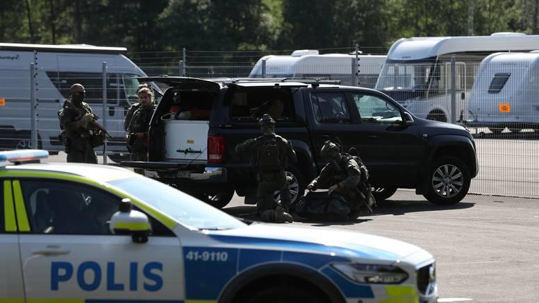 Pucnjava u Švedskoj ispred shopping centra: Troje ljudi je u bolnici, ima puno ozlijeđenih