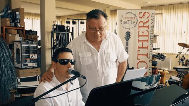 Halid Bešlić gostovao u spotu 'supertalenta' Denisa Barte...
