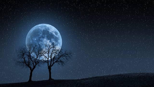 Prvi put od 1944. u  svim vremenskim zonama: Na Noć vještica bit će puni plavi Mjesec