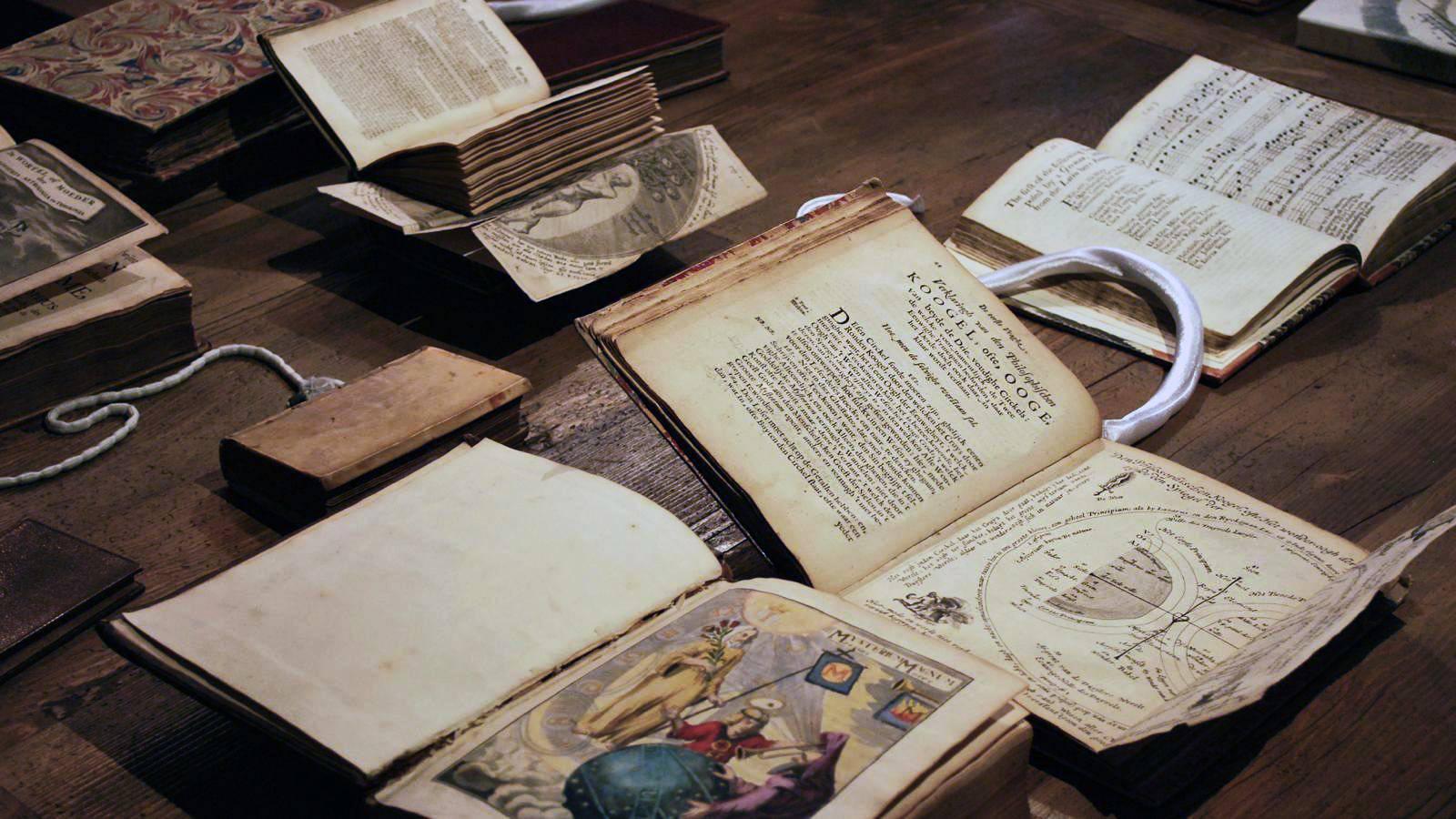 Zavirite u okultnu i ezoteričnu knjižnicu u Amsterdamu gdje je Dan Brown pisao svoje knjige