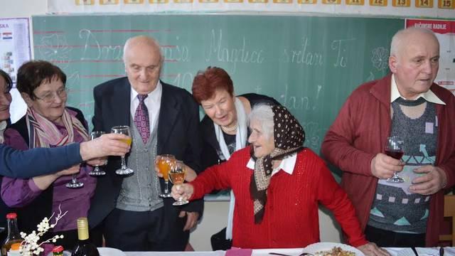Magdi je  100 godina, ali i dalje ide na njivu: To me drži živom