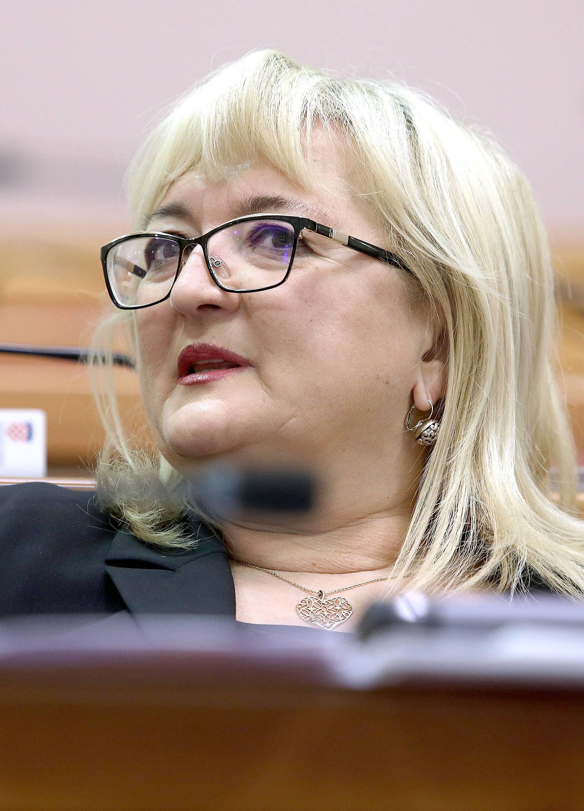 Nakon Dobrovića, Strenja objavila da napušta politiku