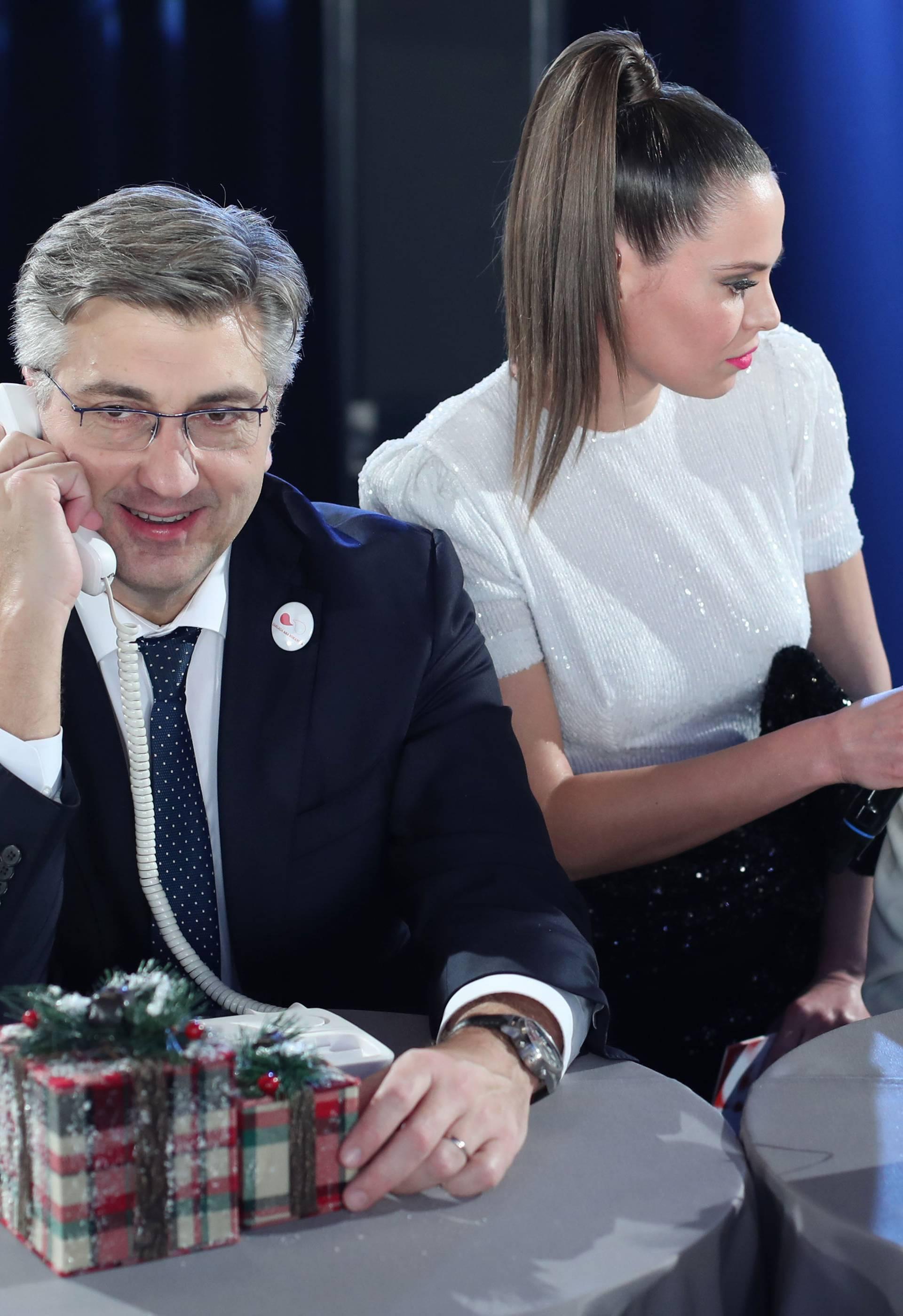Zagreb: Poznati se u call centru javljali na telefone za vrijeme koncerta Želim život
