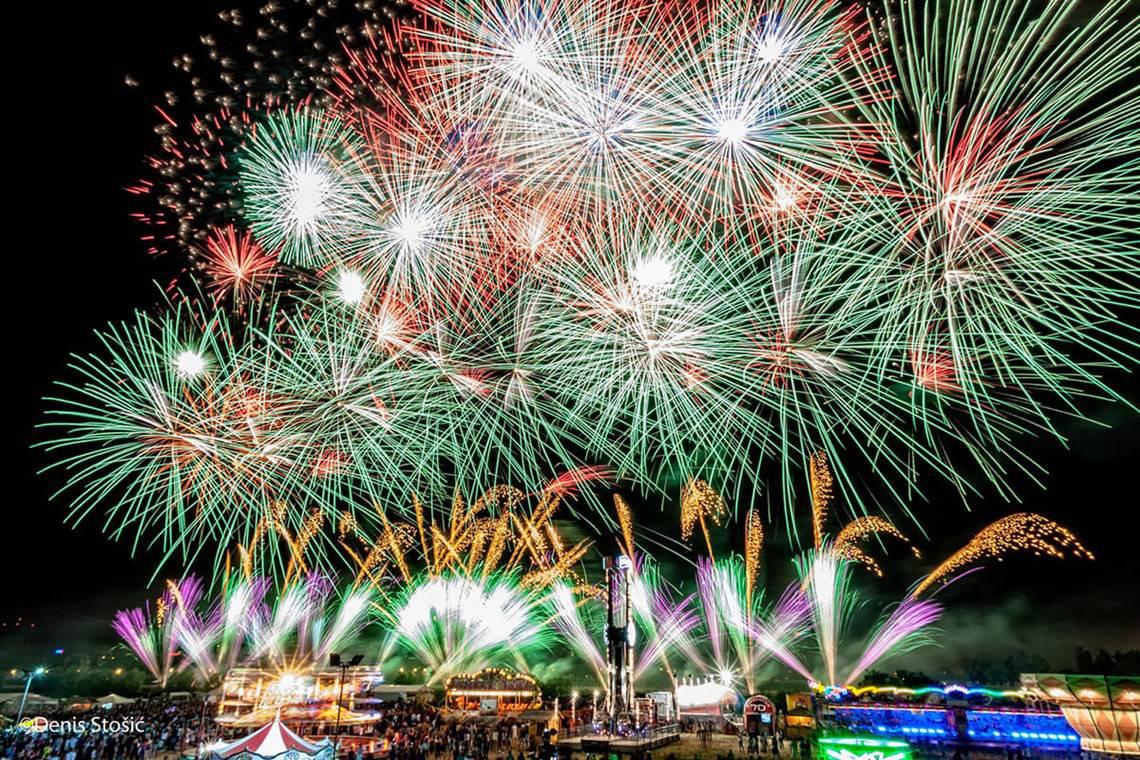Finalna večer Festivala vatrometa prebačena za srijedu
