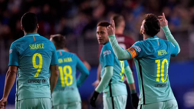 Football Soccer -  Eibar v Barcelona
