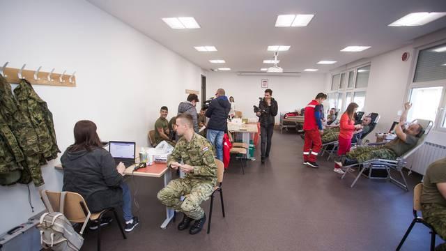 Vukovar: Na obljetnicu stradavanja Vukovara vojnici darovali krv