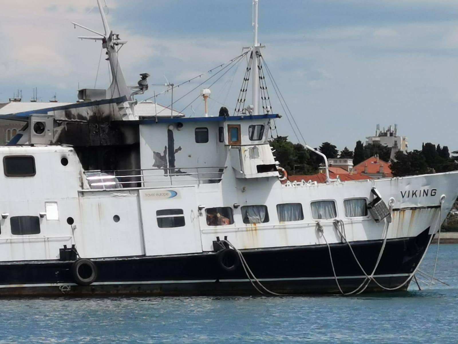 Buknuo požar na brodu u Zadru: 'Svuda se širio crni gusti dom'