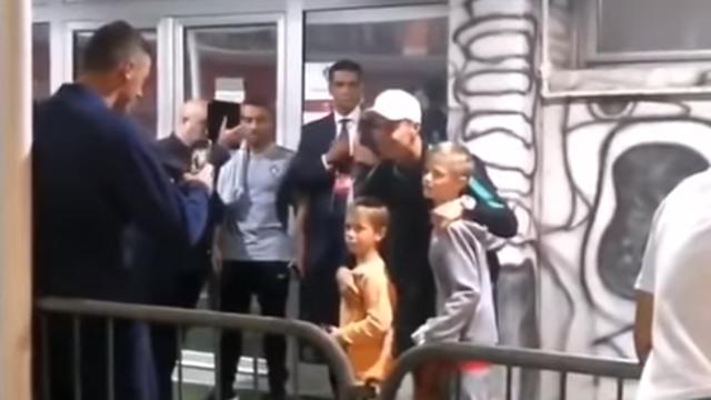 Sorry, Kiki, može fotka? Matić slikao svoje sinove s Ronaldom