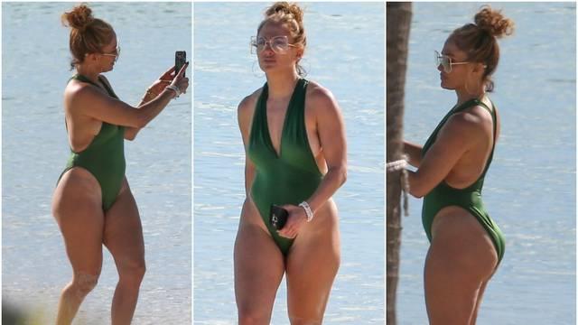 'Procurile' su nove fotke J.Lo na plaži: Paparazzi su je razotkrili