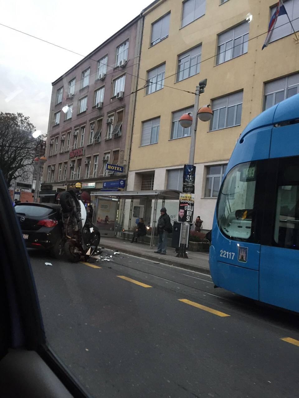 Sudarili su se auto i skuter u Savskoj, jedan čovjek ozlijeđen