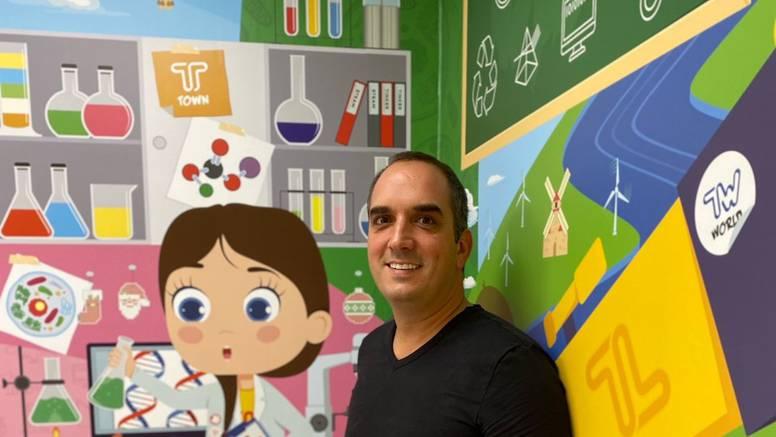 Saznajte kako je Njujorčanin došao u Hrvatsku te probudio u djeci strast za školom i učenjem