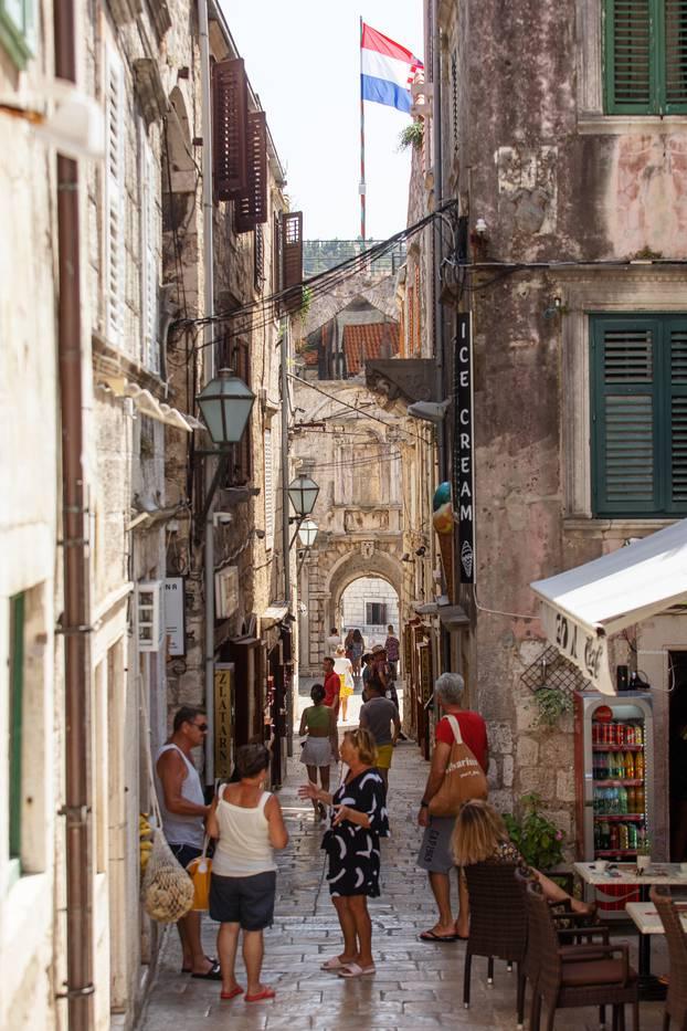 Grad Koručula poznat i kao mali Dubrovnik