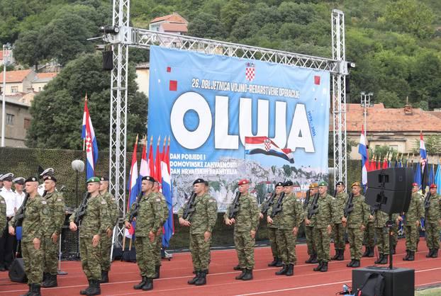 Proba proslave Oluje na stadionu u Kninu