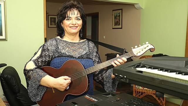 Godinu prije mirovine Marija je dala otkaz u banci i postala pjevačica: 'Trebala sam i prije'
