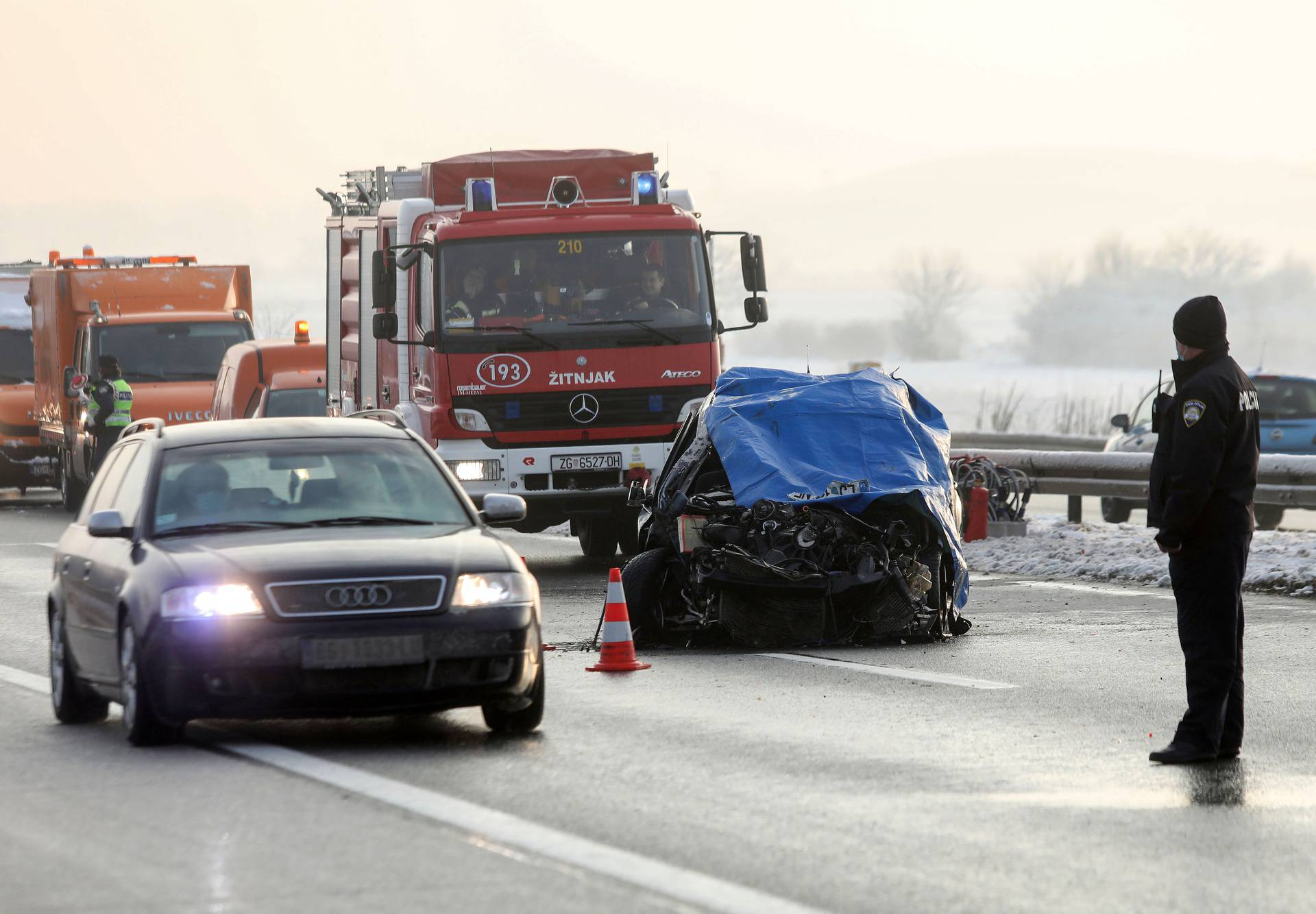 Zagreb: U sudaru automobila i ralice poginula jedna osoba