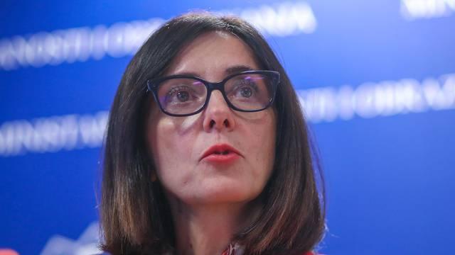 Zagreb: Blaženka Divjak održala izvanrednu konferenciju za medije