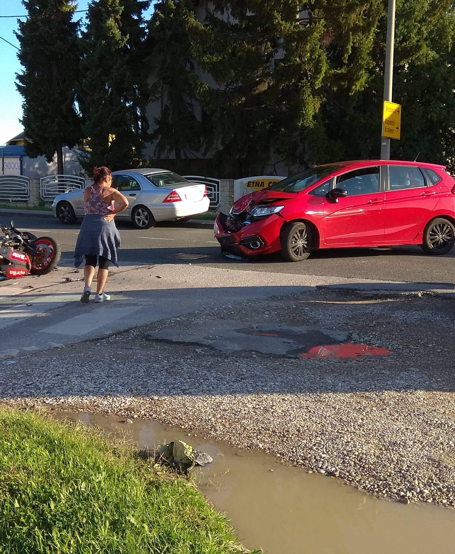 Motociklist završio u bolnici nakon sudara s automobilom