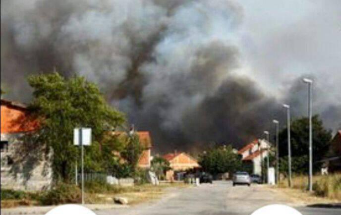 Planuo je požar kod Kistanja, prijeti nacionalnom parku