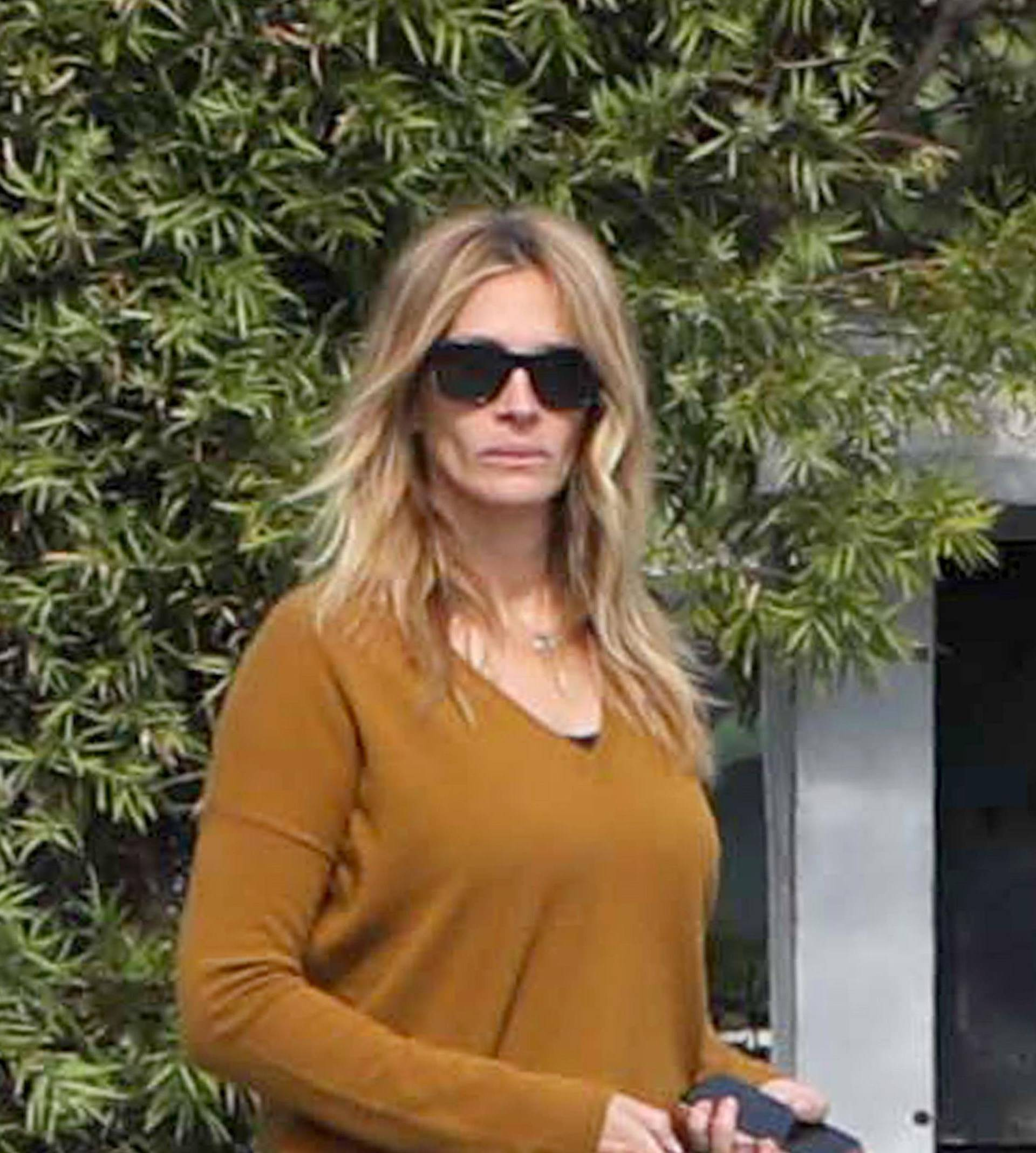 *EXCLUSIVE* Julia Roberts walks out of the Malibu Urgent Care