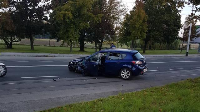 Pijani vozač udario u kombi na Maksimirskoj, još dva auta se sudarila na istoku grada...