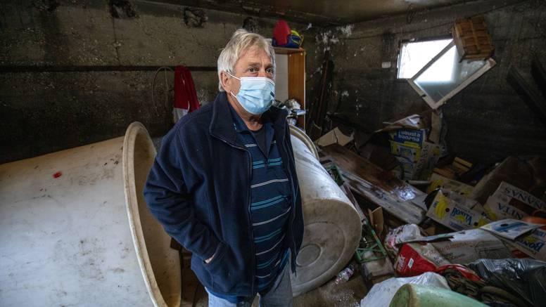 'Teško smo radili da izgradimo kuću. I onda dođe poplava i sve uništi. Ne mogu to ni gledati...'