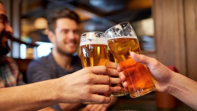 Pivopije smo ali ne kao Česi: Mi popijemo 83, oni 143 l u godini
