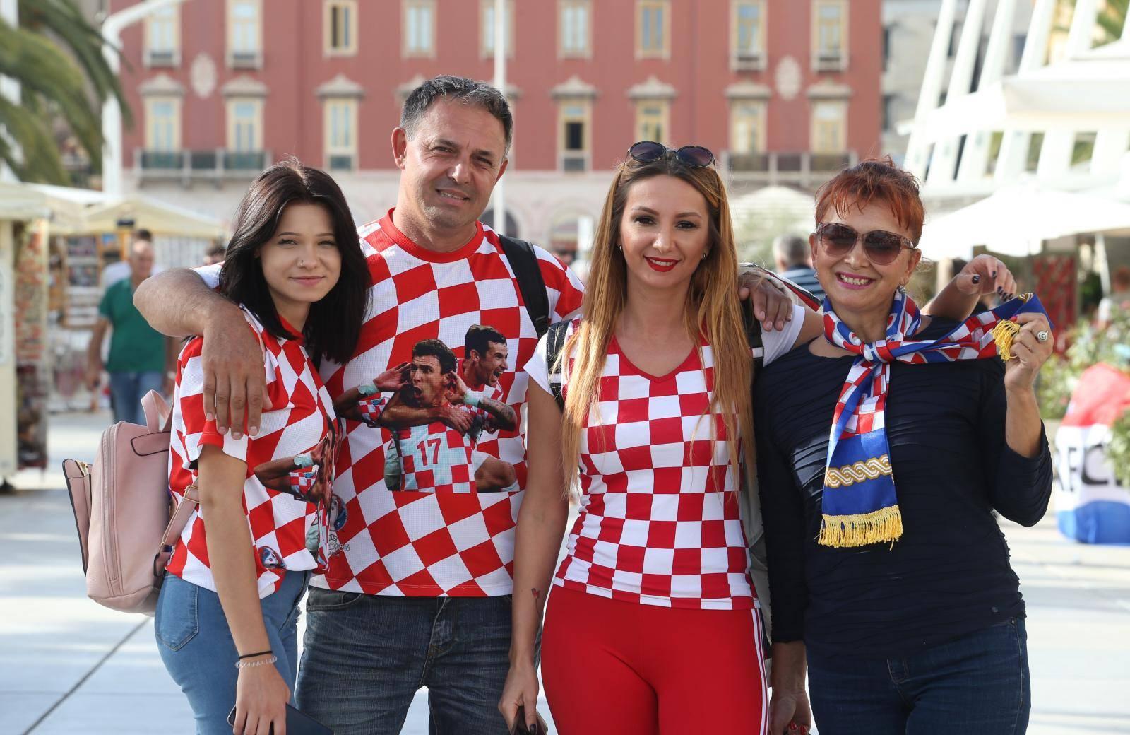 Split: Atmosfera u gradu uoči utakmice Hrvatska - Mađarska