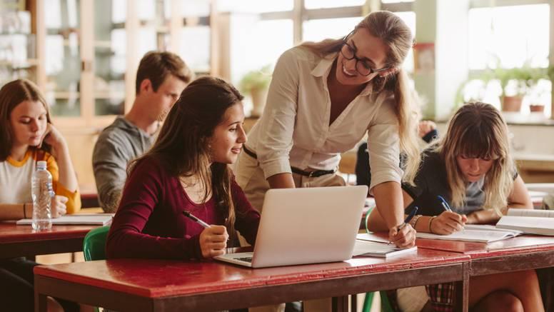 Što bivši i sadašnji učenici misle o svojim profesorima?