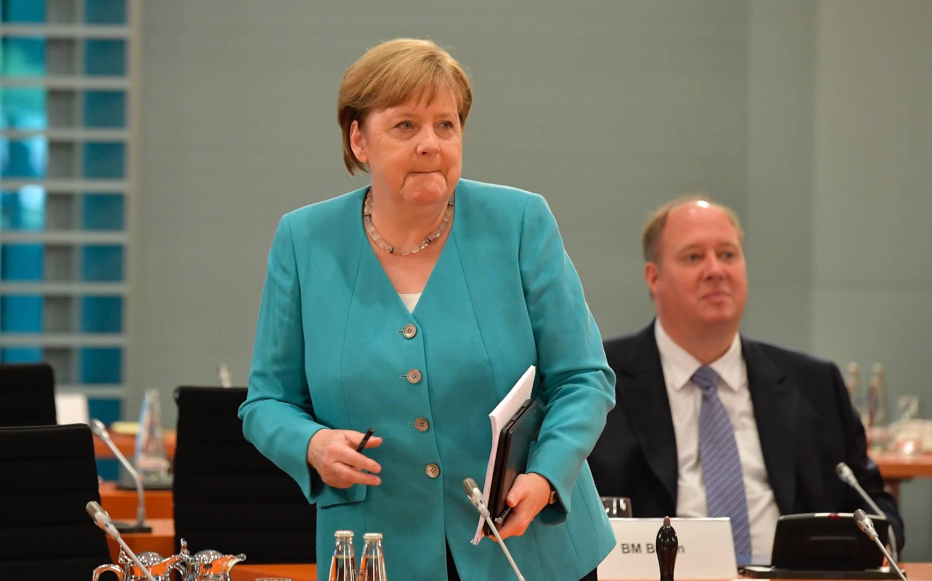 U Njemačkoj će zabraniti sva masovna okupljanja do 2021.?!