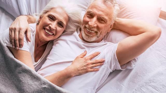 Vruća akcija u krevetu i nakon 50-e? Da, eliminiraj komplekse