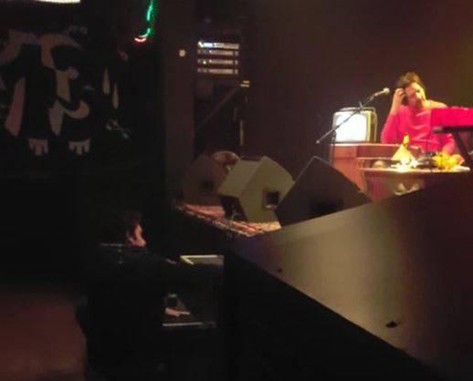 Preoteo show: Mladić je ispred pozornice plesao pa zadrijemao