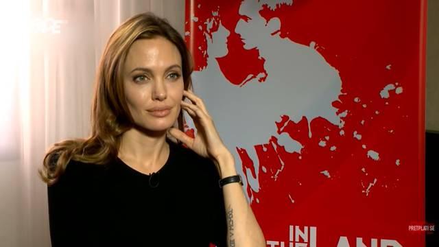 Jolie: Javno sam zaplakala dva puta. Jednom je bilo zbog Bosne