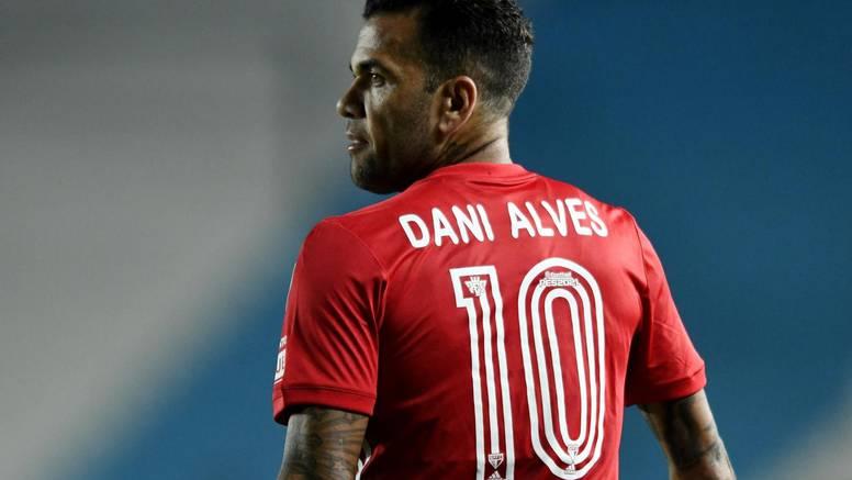 I s 38 godina je nedodirljiv: Dani Alves opet u reprezentaciji