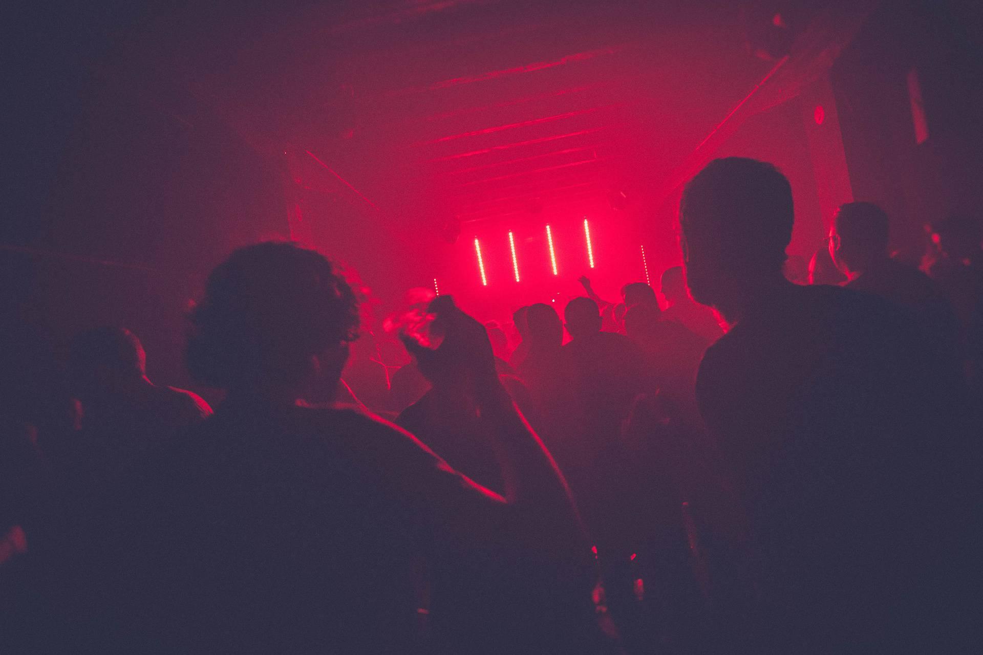 Širio zarazu u klubu u Zürichu: Čak tristo ljudi je u karanteni