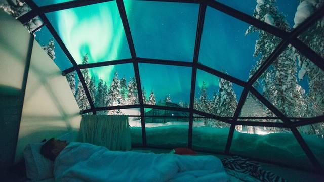 Čaroban doživljaj: Pogled na polarnu svjetlost - iz kreveta!