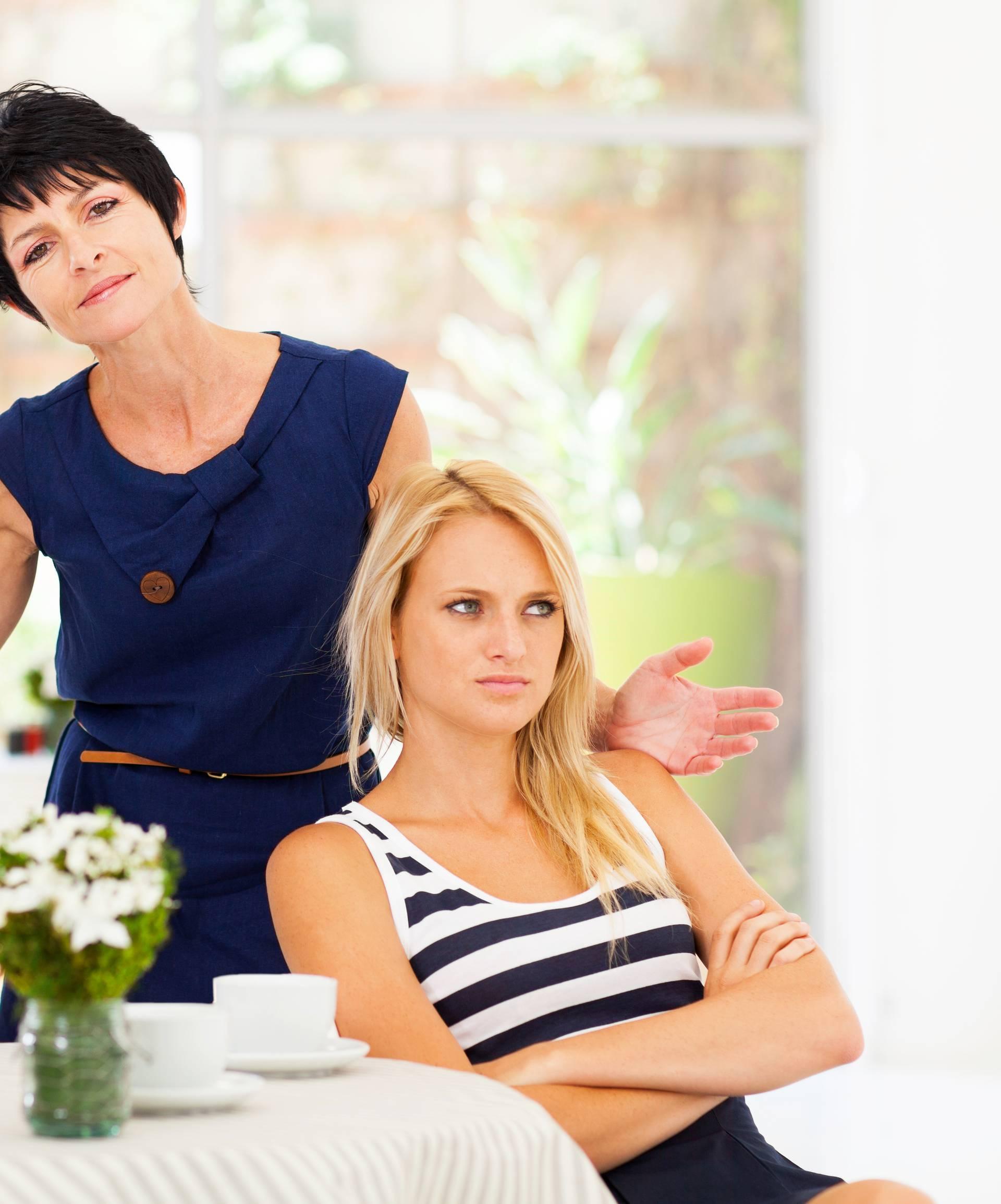 'On radi po 15 sati na dan, a ona  ga ucjenjuje, viče na njega'