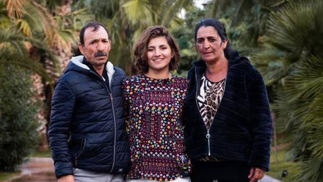 'Prodali su me kao bebu drugoj obitelji, a mojim roditeljima su liječnici rekli da sam umrla'