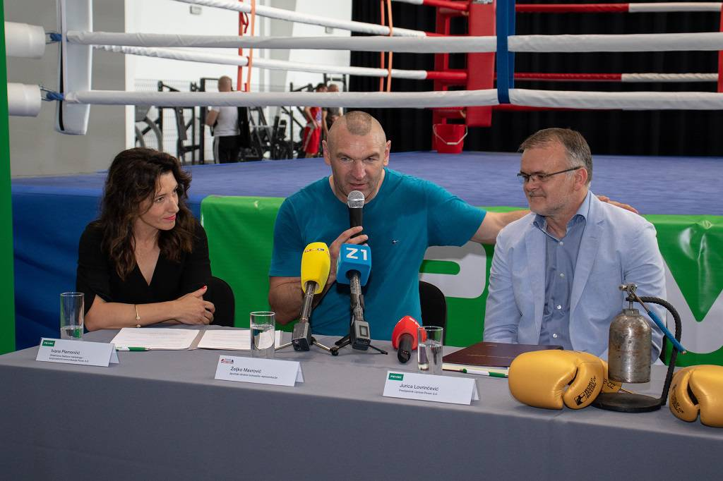 Pevec nastavio generalno sponzorstvo boksačkog saveza