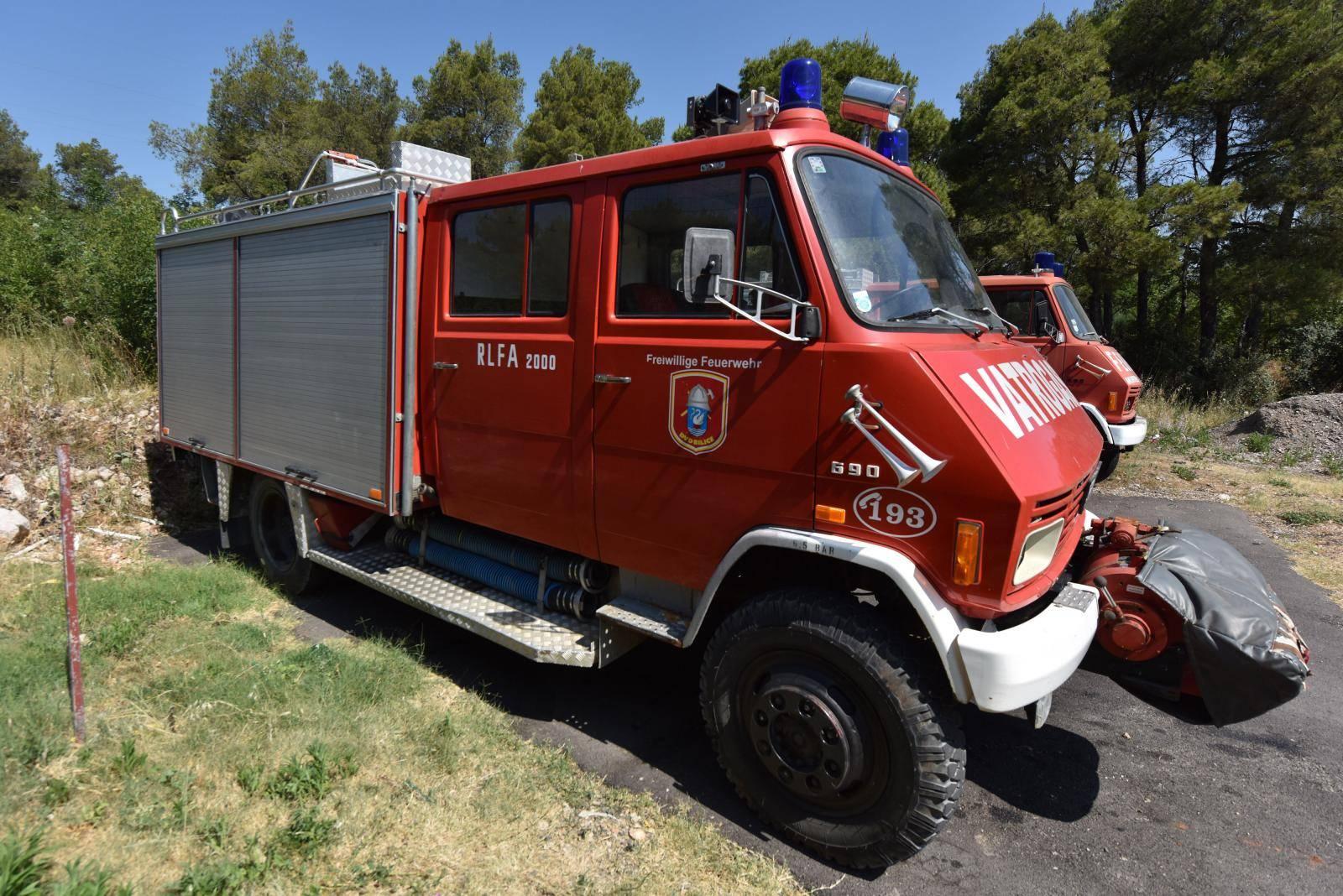 Nepoznati počinitelj ukrao  gorivo iz vatrgasnog vozila DVD Bilice, te u spremnik goriva ulio vodu