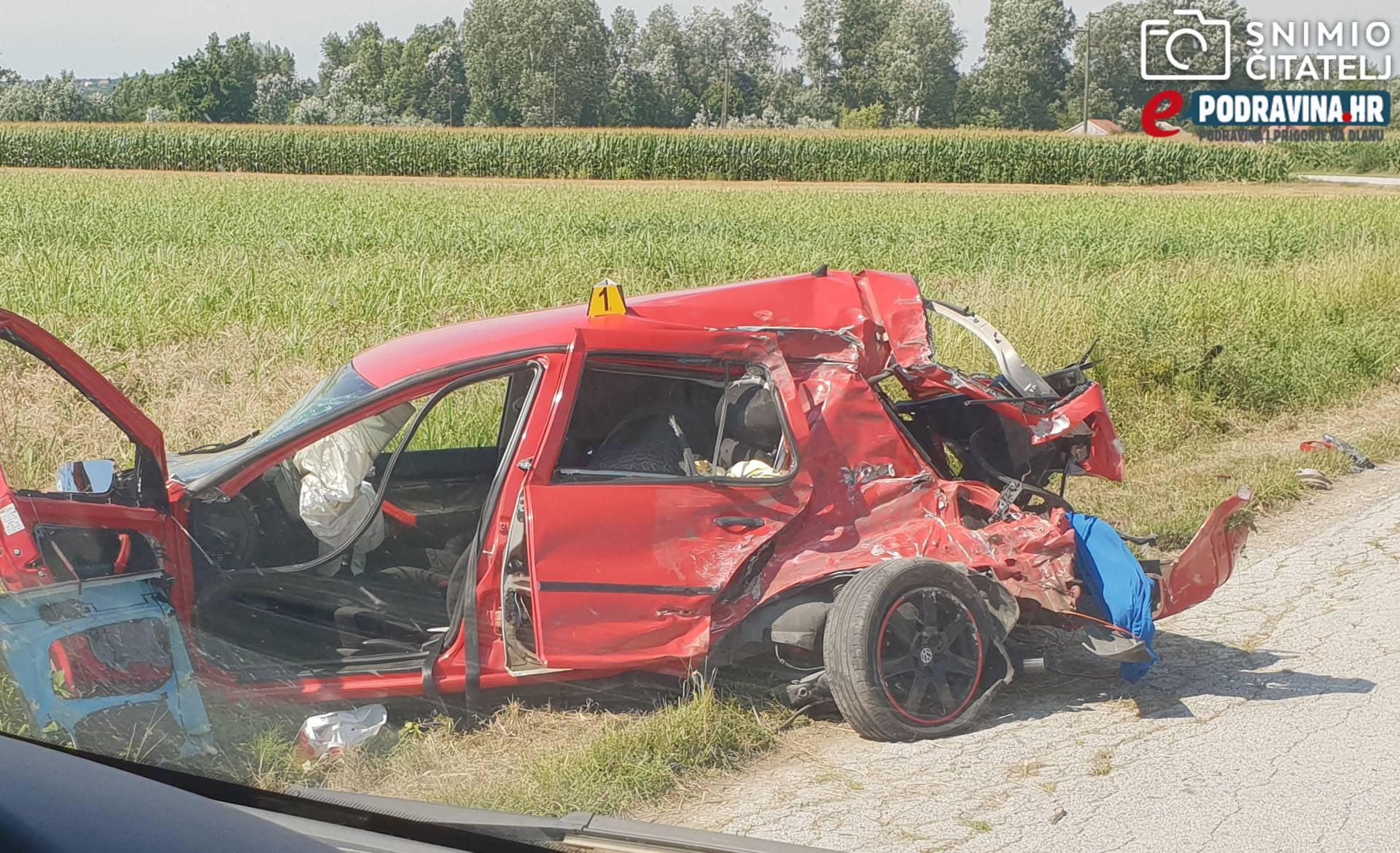 U sudaru kamiona i auta dvoje ozlijeđeno, prevezli ih u bolnicu